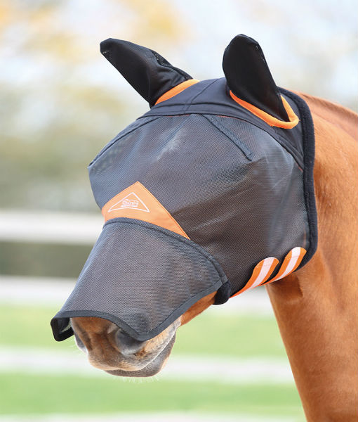 Field Durable fly mask with ears and nose